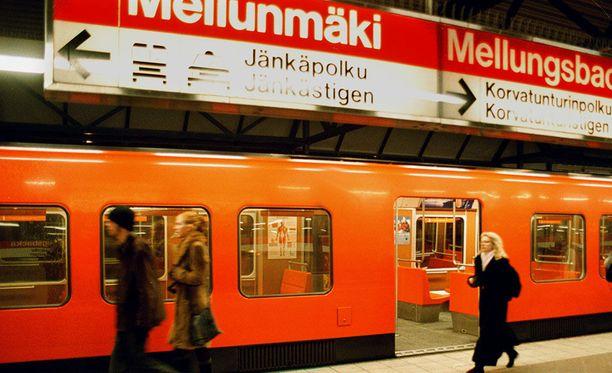 Tapahtumat saivat alkunsa Mellunmäen metroasemalla.