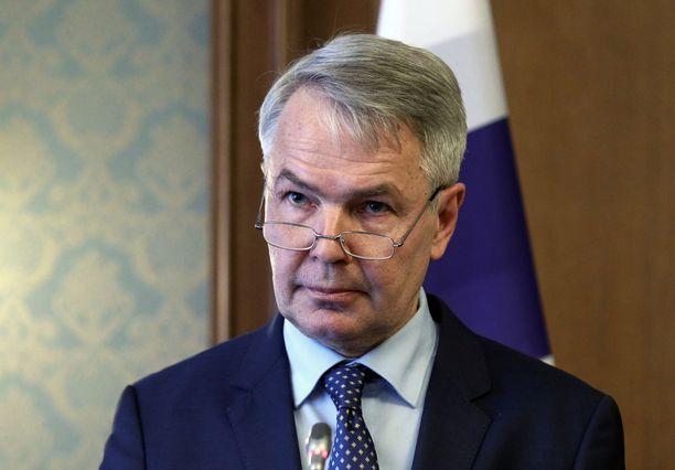 Ulkoministeri Pekka Haavistoa epäillään kahdesta liikenneturvallisuuden vaarantamisesta.