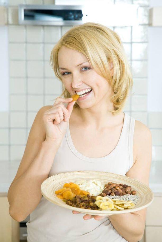 Monipuolisesti Karppaajan ruokavalioon kuuluu myös paljon muuta kuin vain rasvaa ja proteiinia.