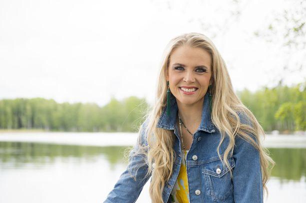 Susanna Laineella pyörähtää käyntiin jo kuudes vuosi Puoli seitsemän -ohjelmassa.