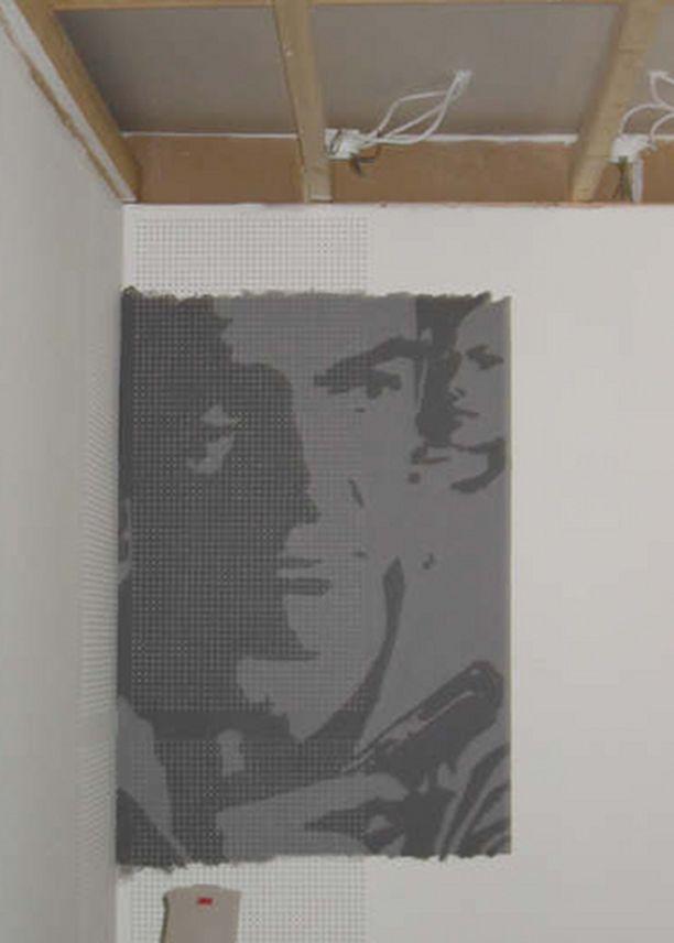 Projekti etenee kohti loppua. Tässä vaiheessa aloitettiin jo huoneen seinien värisuunnittelu.