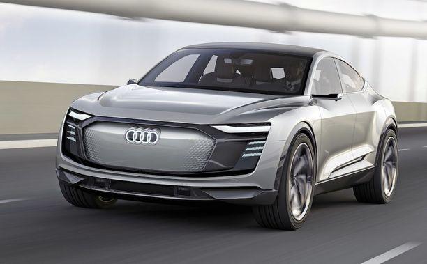 Sähkö-Audin tunnistaa keulasta. Tutun muotoinen kehikko, mutta säleikkö varsinaisesti puuttuu.
