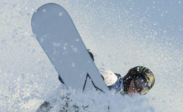 Iouri Podladtshikov jättää olympiakisat väliin.