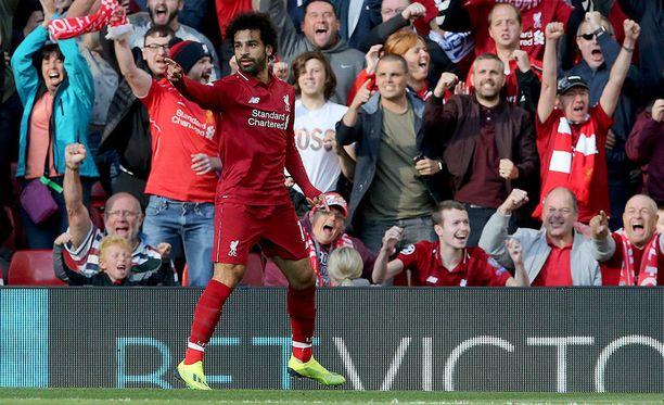 Mo Salah viimeisteli varmasti voittomaalin Brightonin verkkoon.