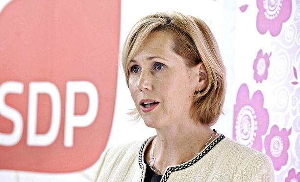 Kansanedustaja ja entinen ministeri Tuula Haatainen pyrkii SDP:n presidenttiehdokkaaksi. Haatainen on ensimmäinen demari, joka lähtee presidenttikisaan mukaan.