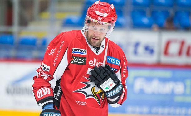 SM-liigan jäähykuningas Markus Kankaanperä pääsee takaisin kaukaloon lokakuun lopussa.