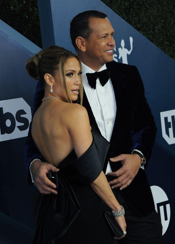 Jennifer Lopez ja Alex Rodriguez käyvät talokauppoja.