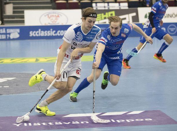 Peter Kotilaisen Happee kohtaa Superfinaalissa Classicin. Salibandyliigan mestaruus ratkaistaan yhdellä ottelulla.