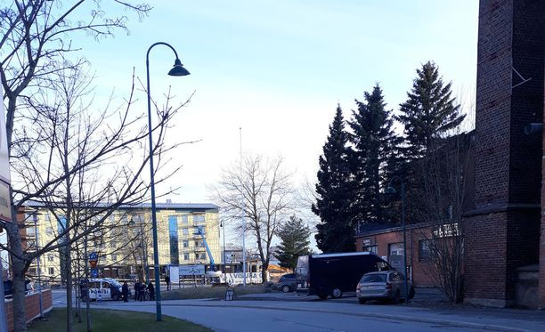Keskusrikospoliisilla oli iso operaatio Lempäälässä Piippo-keskuksessa.