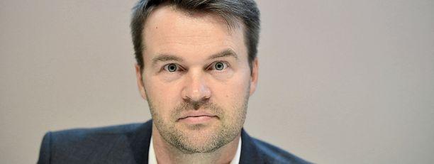 Marko Sjöblom korostaa tulevan puheenjohtajan poliittista ja taloudellista riippumattomututa.