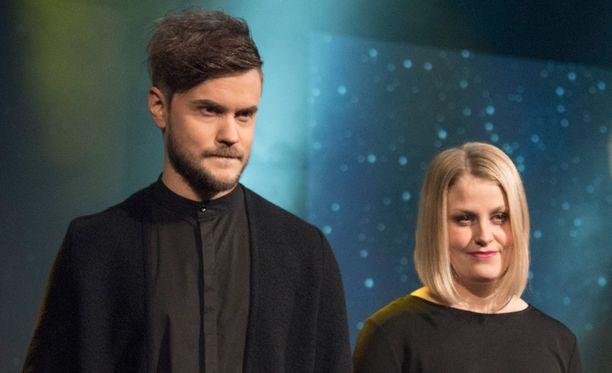 Norma John edustaa Suomea kappaleellaan Blackbird.