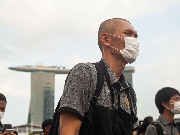 Koronavirukseen on kuollut neljä ihmistä Manner-Kiinan ulkopuolella.