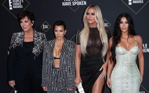 Mitä Kardashianit todella tienaavat? Listaus paljastaa perheen jättitulot