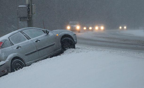 Ajokeli on huono lähes koko maassa.