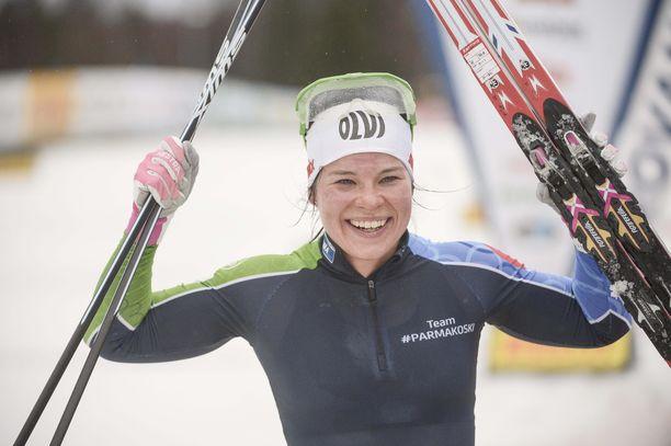 Krista Pärmäkoski tuuletti voittoa Rovaniemen Suomen cupissa.