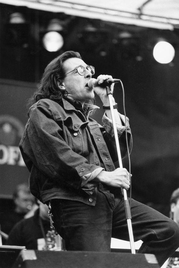 Huhut kertovat, että Kirkaa olisi pyydetty jopa Deep Purplen laulajaksi.