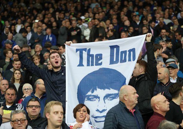Chelsean kannattajat muistivat manageri Antonio Contea.