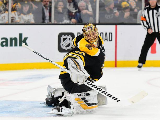 Boston Bruinsin maalivahti Tuukka Rask torjui kaiken New York Islandersin vieraana.