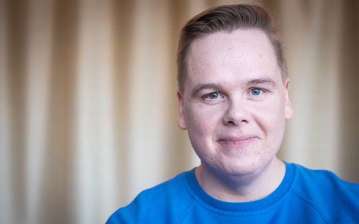 Antti Tuomas Heikkinen meni sketsihahmona syntymäpäiville – juhlien jälkeen päivänsankari teki hulvattoman paljastuksen