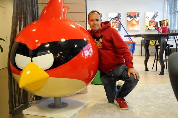 Peter Vesterbacka ja punainen Angry Birds -huppari olivat tuttu parivaljakko.