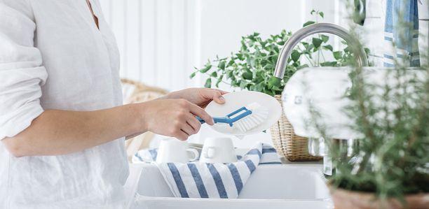 Tiskaaminen ei lopu joulunakaan, mutta helpottuu, kun keittiö on siisti ja tasoilla on tilaa.