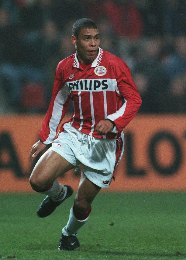 Ronaldo pelasi 1995 Lahdessa ja teki PSV:n tasoitusmaalin.