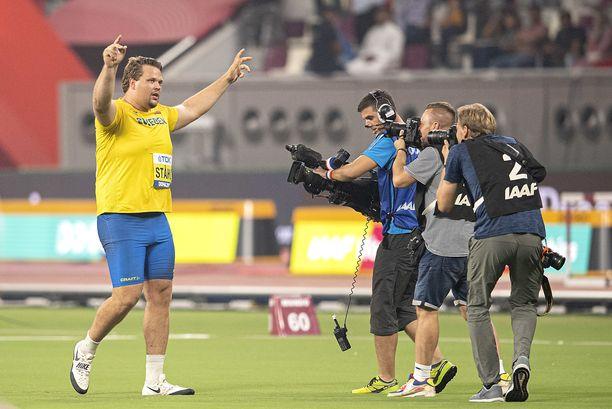 Daniel Ståhl juhli MM-kultaa Dohassa viime vuonna.