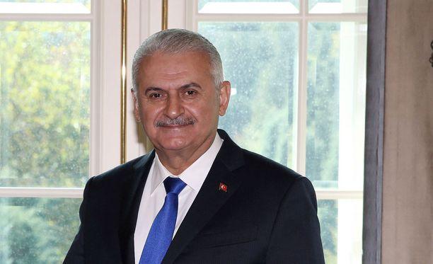 Turkin pääministerin Binali Yildirimin mukaan lakiesitys kaipaa vielä laajempaa yhteisymmärrystä.