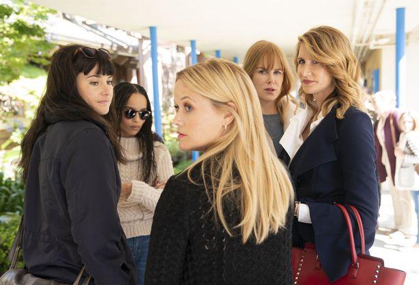 Janea, Bonnieta, Madelinea, Celesteä ja Renataa näyttelee vanha tuttu viisikko, eli Shailene Woodley, Zoë Kravitz, Reese Witherspoon, Nicole Kidman ja Laura Dern.