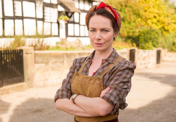 Stephiä tulkitseva Claire Calbraith otti kantaa sarjan päättymiseen sosiaalisessa mediassa.
