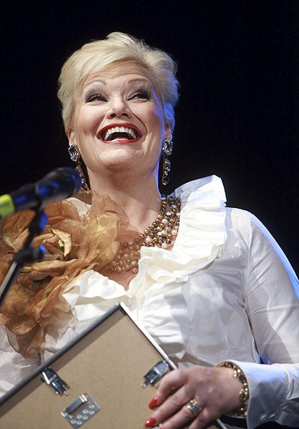 Karita Mattila jakoi nimikkostipendinsä vuonna 2009.