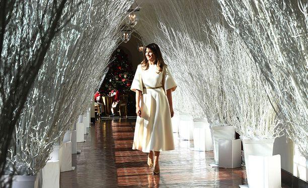 Yhtenä osana koristeluita on luminen käytävä.