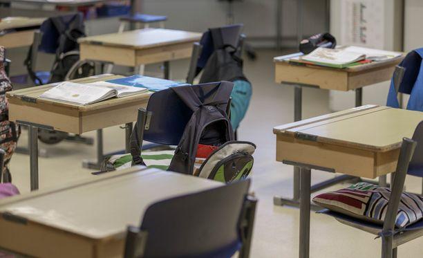 SAK ehdottaa nuorten oppivelvollisuusiän nostamista.