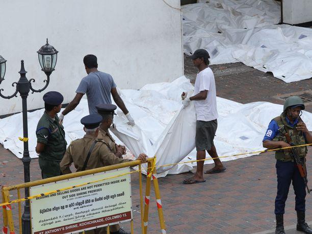Sri Lankan iskuissa on kuollut ainakin 290 ihmistä ja 500 on haavoittunut.