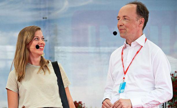 Puolueidensa puheenjohtajat Li Andersson (vas) ja Jussi Halla-ahon (ps) tuovat puolueilleen lisäkannatusta - mitä ei suurin osa suomalaisista puoluepomoista voi sanoa.
