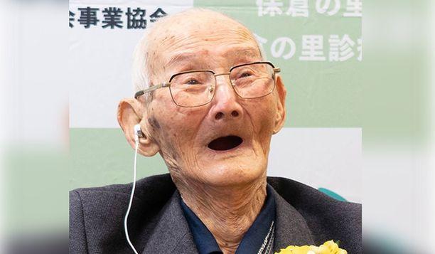 112-vuotias Chitetsu Watanabe menehtyi sunnuntaina hoivakodissa.