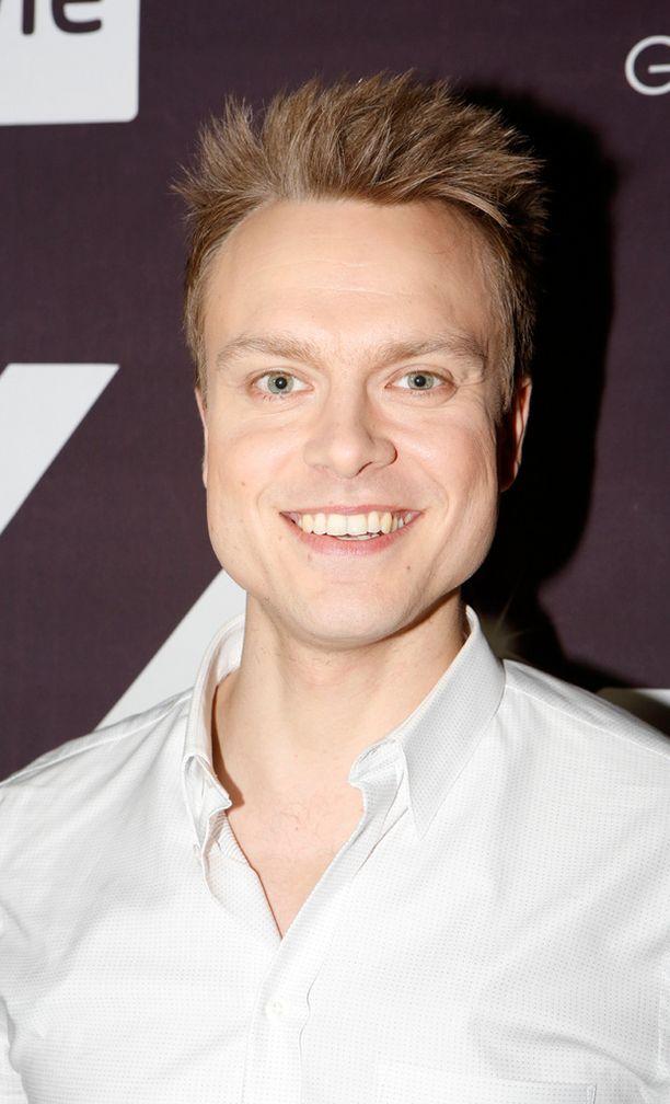 Mikko Pohjola on yksi ennakkosuosikeista. Viisukuppila-fanit netissä valitsivat hänet suosikikseen.