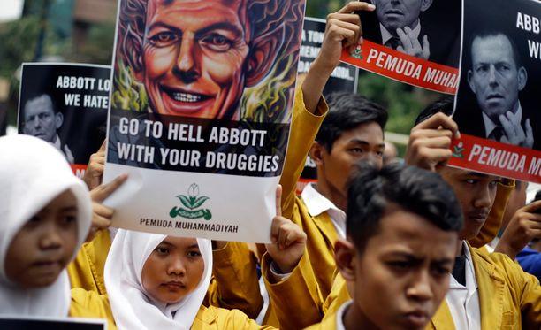 Indonesiassa osoitettiin keskiviikkona mieltä Australian pääministeriä Tony Abbottia vastaan.