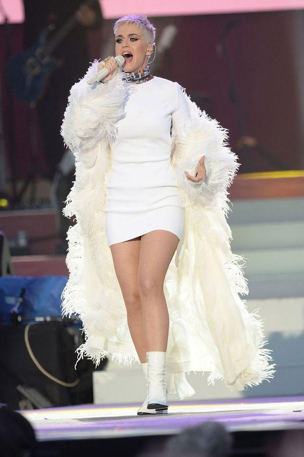 Kuvassa Katy Perry kesäkuun alussa Manchester Love -hyväntekeväisyyskonsertissa.