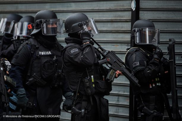 Abaaoud kuoli Ranskan poliisin operaatiossa Pariisin St. DenisŽssä.