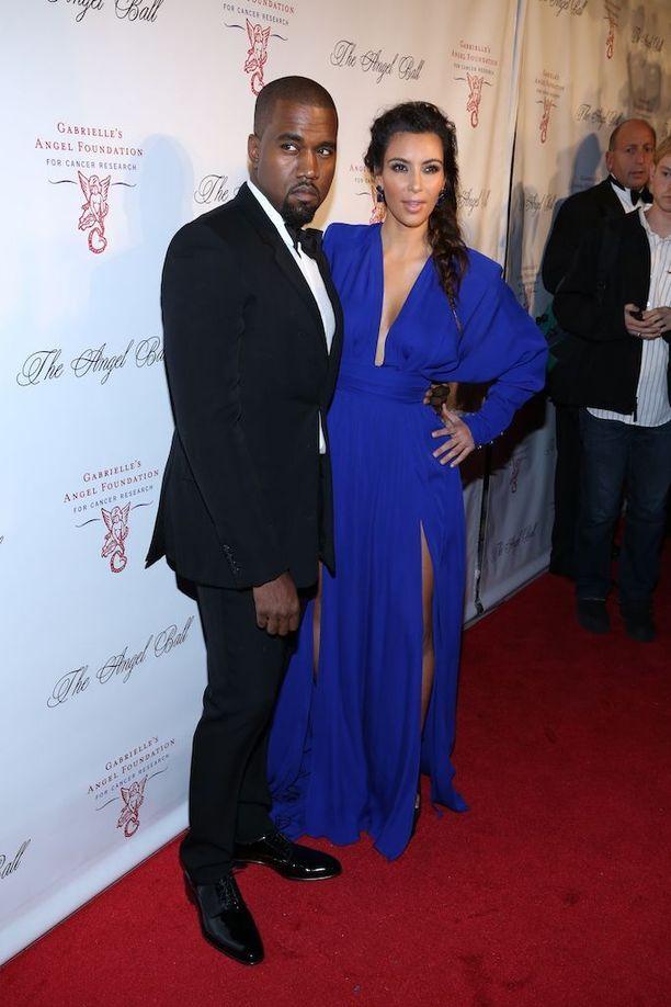 Kim Kardashian ja Kanye West alkoivat seurustella keväällä 2012.