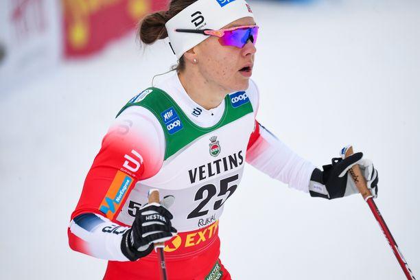 Norjan Ane Stenseth pehmeni Rukan maailmancupin sprintissä mahtavan aika-ajon jälkeen.