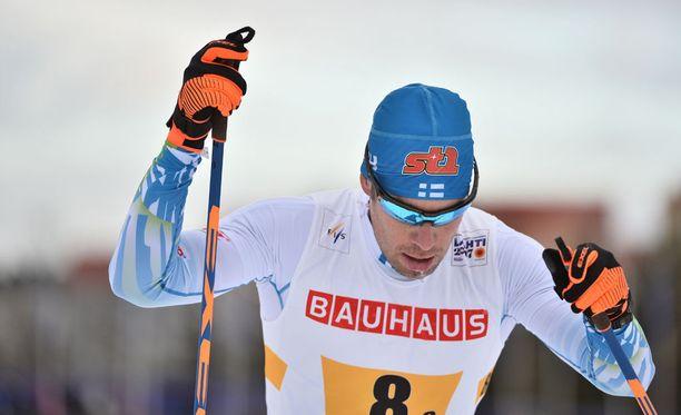 Lari Lehtonen hävisi minuutin ja 20 sekuntia 10 kilometrin matkalla Ruotsin Marcus Hellnerille.