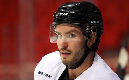 Suomalaishyökkääjä kaupattiin NHL:ssä – Dallasiin jälleen uusi sinivalkoinen pelaaja