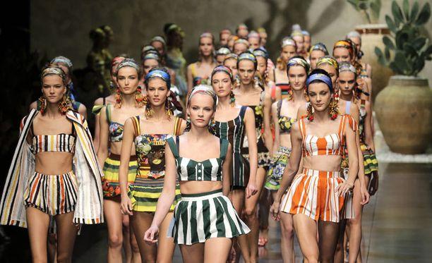 Dolce & Gabbanan kevätmallisto vuosimallia 2013 ei ollut kaikkien mieleen.