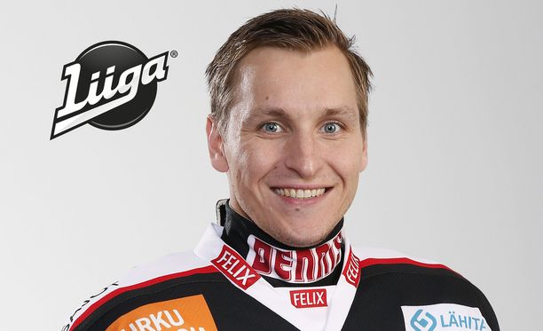 TPS-hyökkääjä Lauri Tukonen loukkaantui pahalta näyttäneessä tilanteessa.