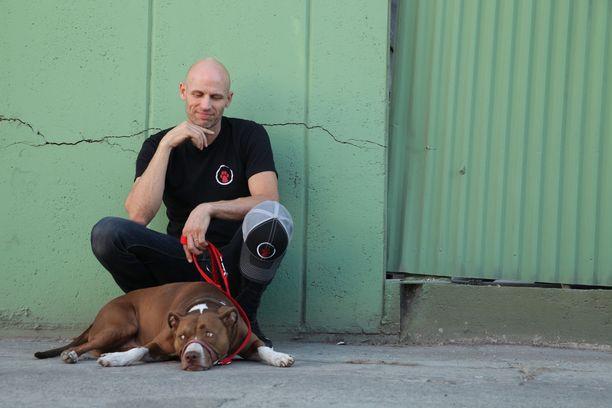 Matt Beisnerin mukaan koirien kouluttamisessa ei tarvita alistamista, komentamista eikä edes herkkuja.