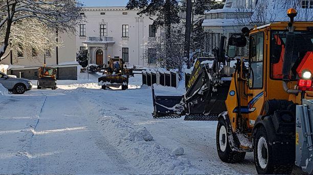 Tampereella on riittänyt tekemistä runsaan lumentulon keskellä.