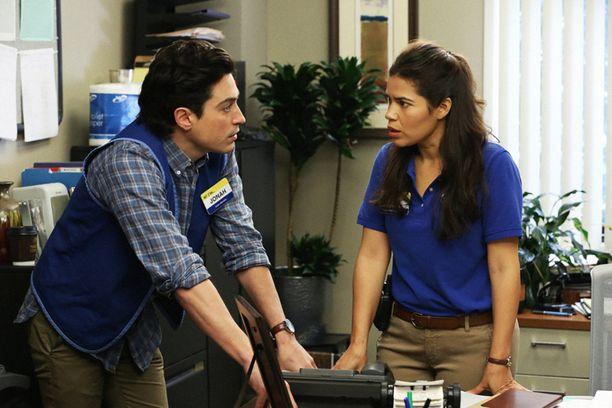 Ben Feldmanin näyttelemä Jonah ihastuu jo ensimmäisenä päivänä America Ferreran näyttelemään Amyyn. Amy on kuitenkin naimisissa.