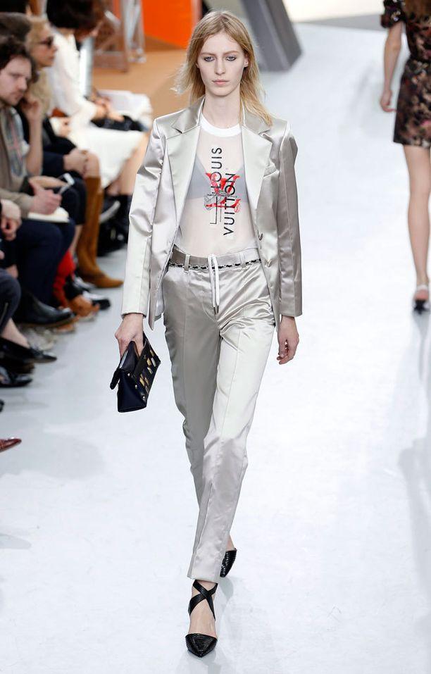 Hopea hohtaa Louis Vuittonin syysmallistossa.